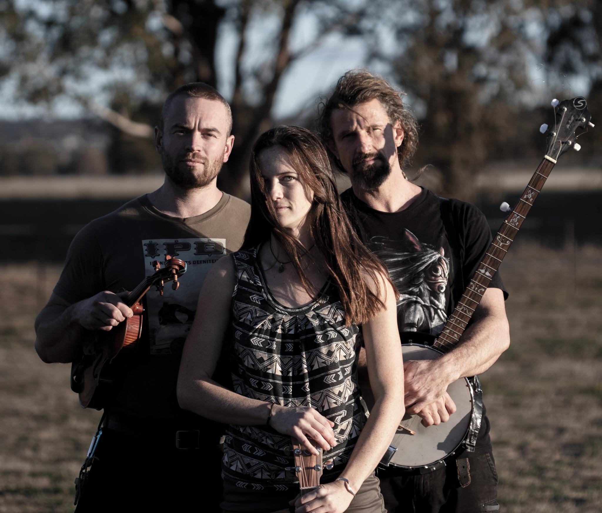 Mesmeric, shamanic folk abound with Black Cypress' excellent 'Crow's Nest'