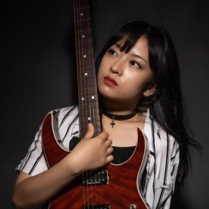 Marrying her J-rock tendencies to her pop-enriched melodies, RINRIN utilises her many skills on THE GAME