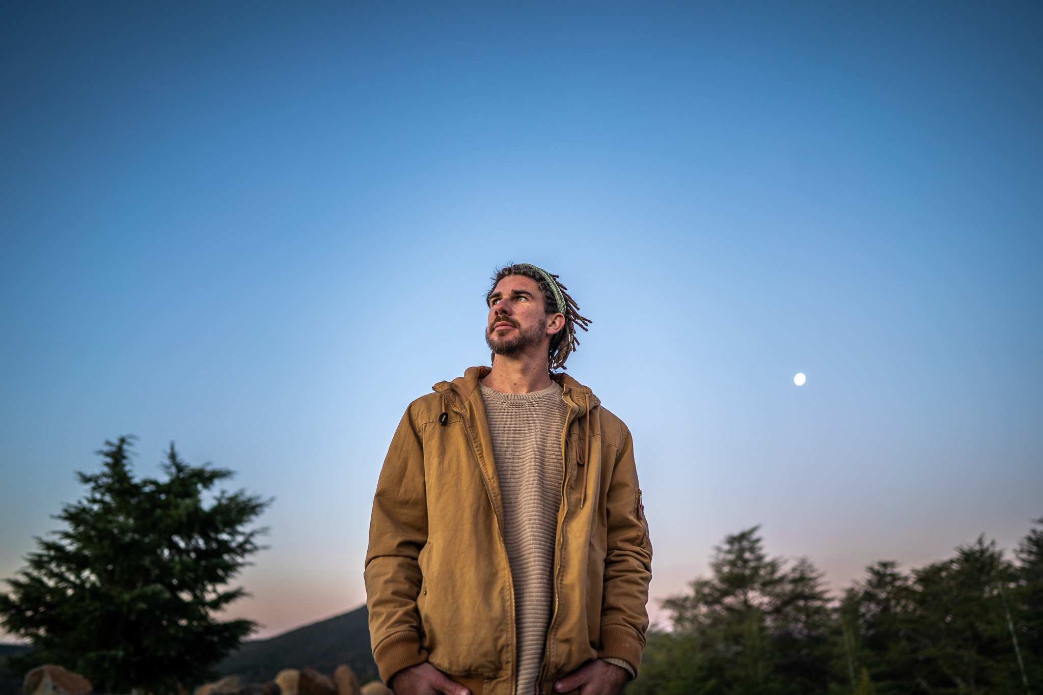 Canberran Balladeer DEAN ABBOTT extols communication and connection with album LETTING GO