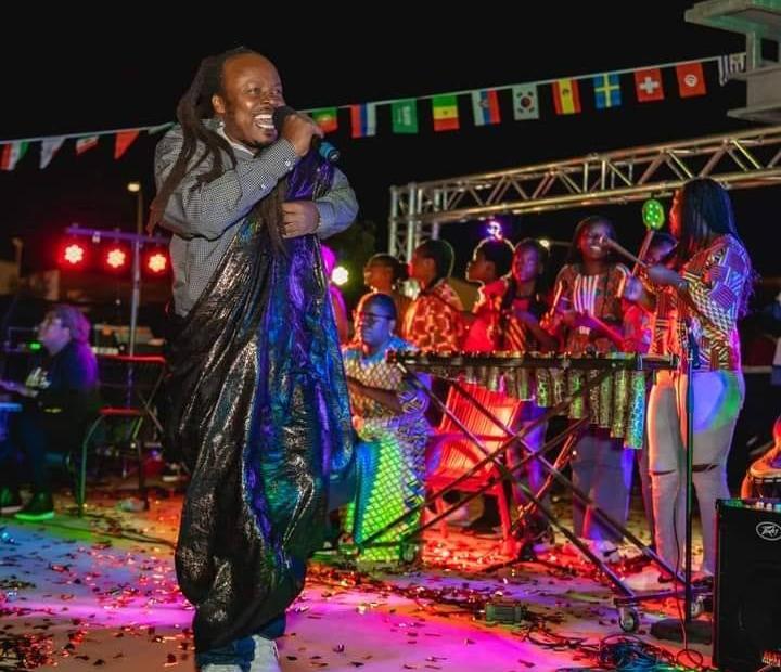 Ras Banamungu - Hallelu Jah